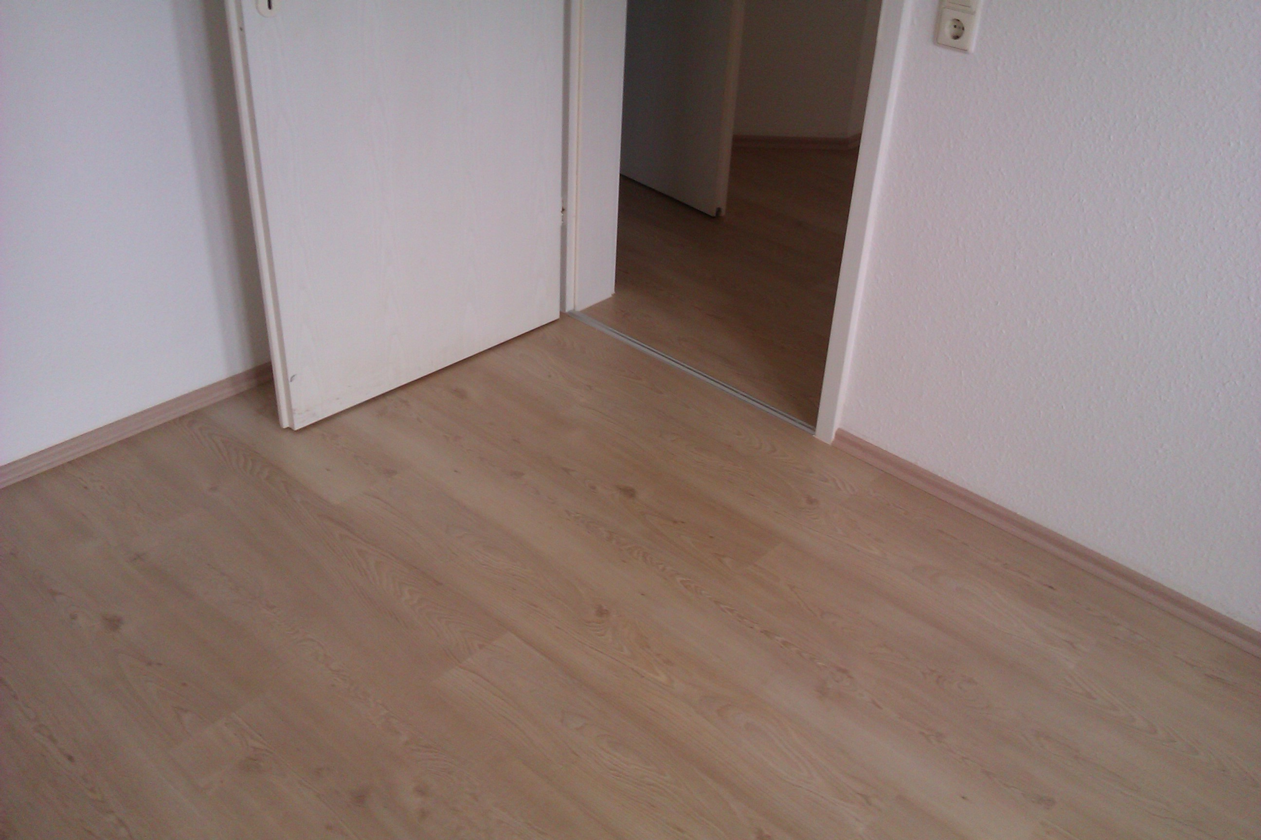 parkett laminat vinyl. Black Bedroom Furniture Sets. Home Design Ideas